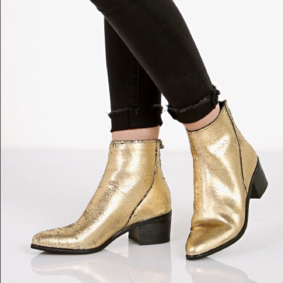 cf5128b18dc1 Dolce Vita Shoes - ✨ Dolce Vita Cassius Glitter Boot Gold Leather ✨